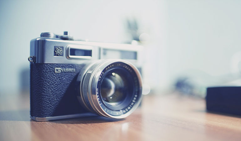 Camera to make search engine friendly images